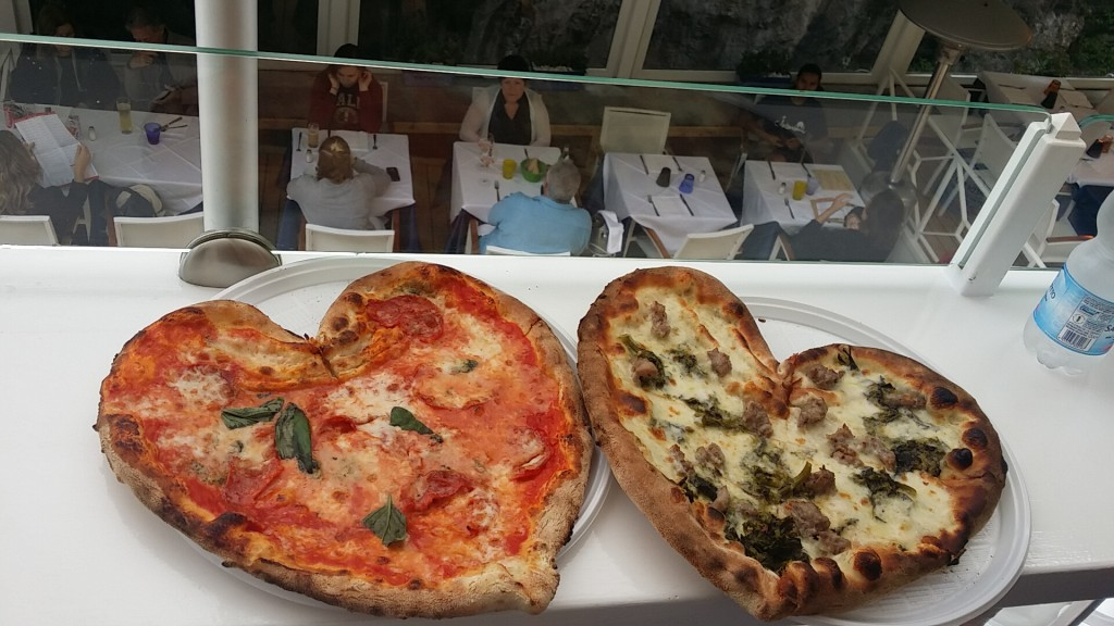 Heart shaped pizza from Capricci, Positano